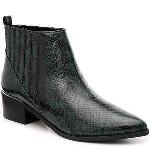 NWT! Marc Fisher Dark Green Snakeskin Bootie Boot
